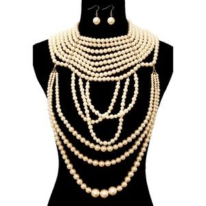 Jewelry - Draped Pearl Necklace Set